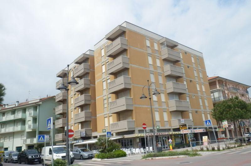 152. Condominio Carducci