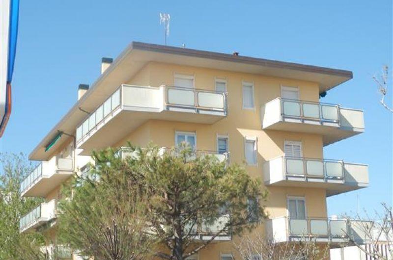 65. Condominio Carducci